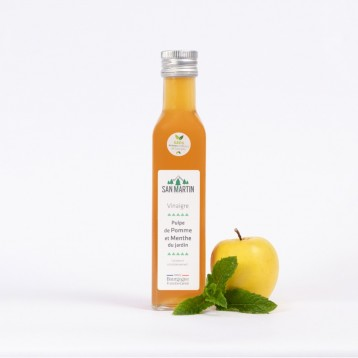 Apple Pulp Fruit and Garden Mint Vinegar
